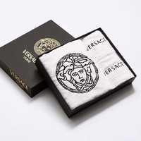 Набор полотенец  VERSACE с логотипом и фирменной коробкой