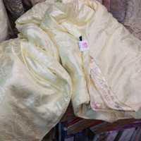 Одеяло из 100% натураьного  шелка в жаккарде сливочное